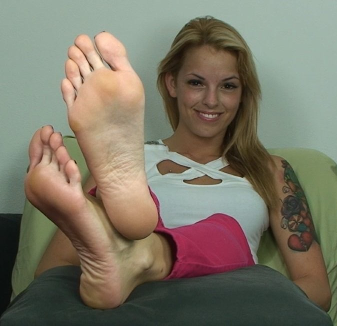 Rachel Starr Bella Reese