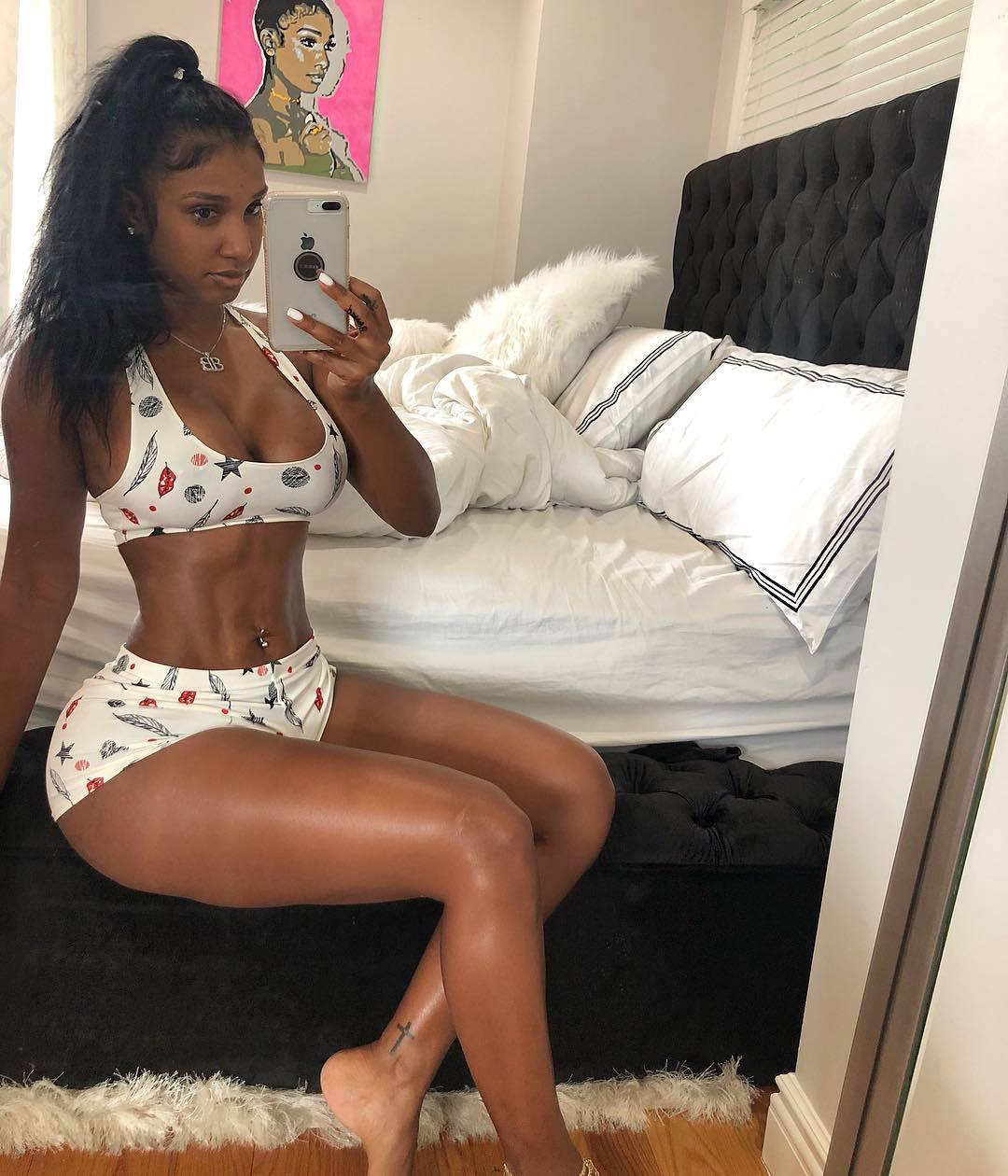 Feet Angelique Burgos nude photos 2019