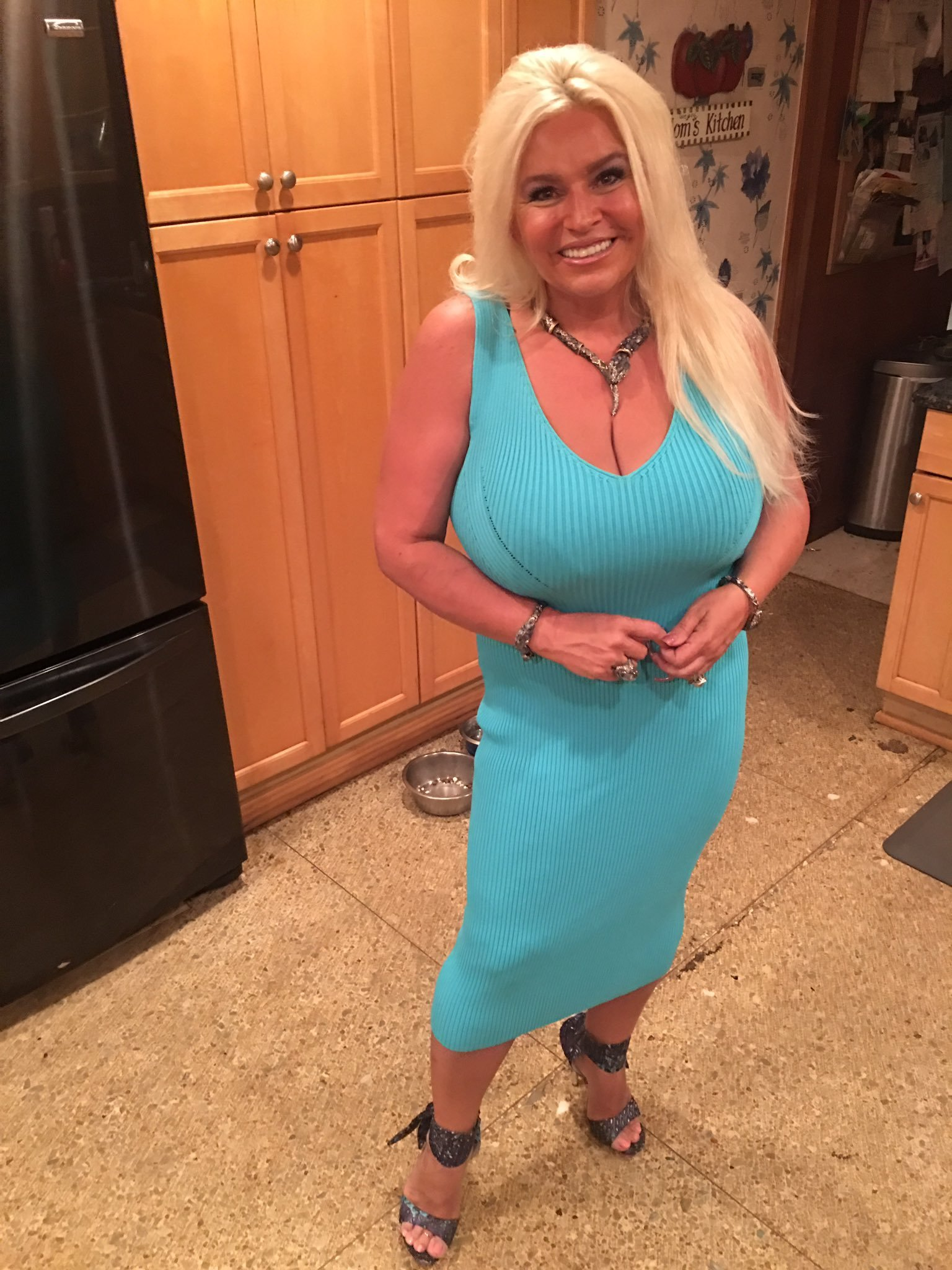 How Fans Inspired Beth Chapman to Share Her Cancer. - toofab Beth chapman hot photos
