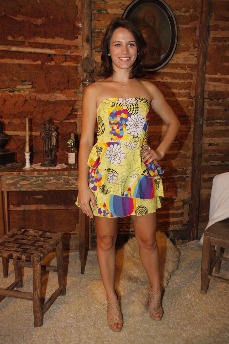 http://pics.wikifeet.com/Bianca-Bin-Feet-617560.jpg