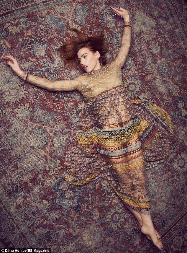 https://pics.wikifeet.com/Billie-Piper-Feet-2516751.jpg