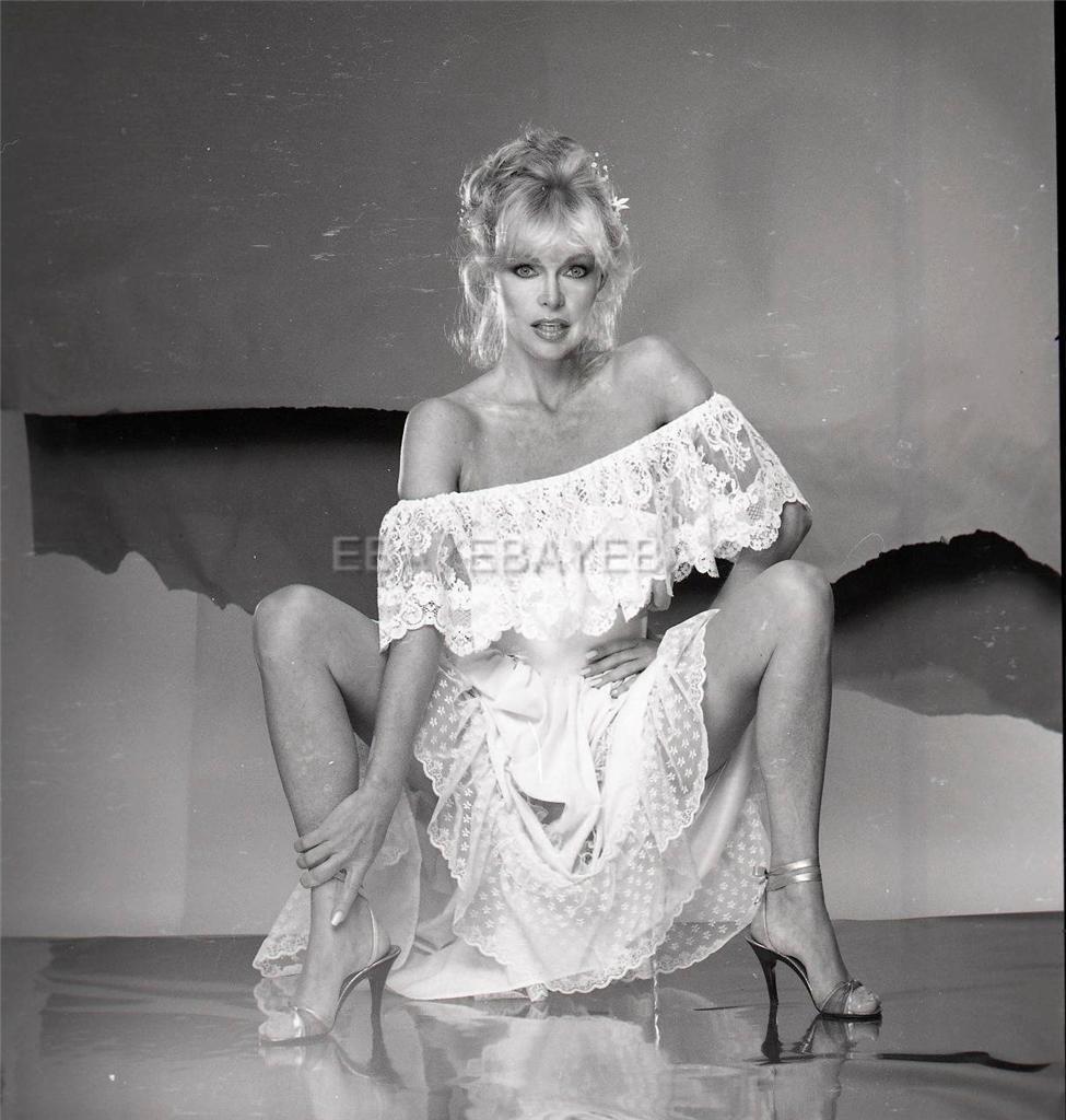 Bobbie Bresee Nude Photos 37