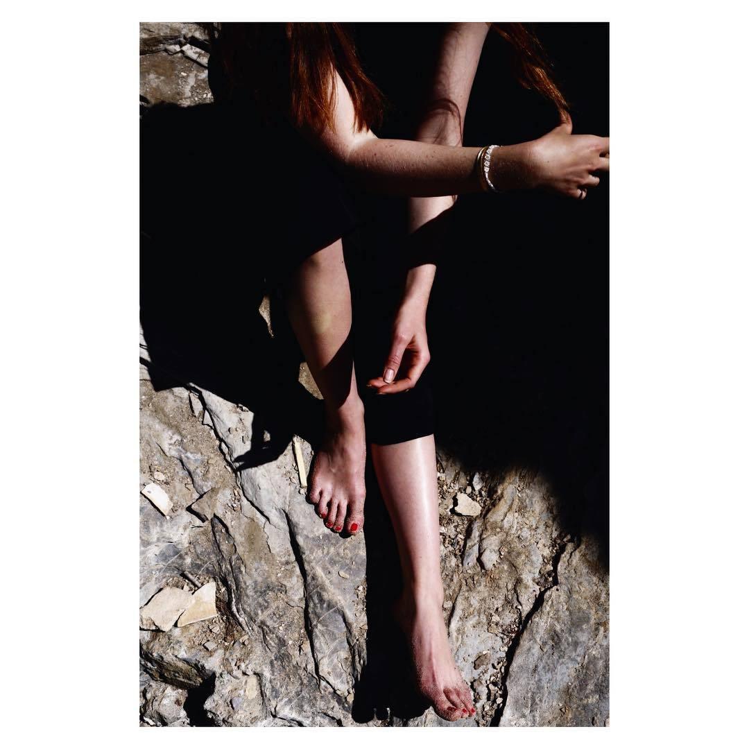 http://pics.wikifeet.com/Bonnie-Wright-Feet-2183705.jpg