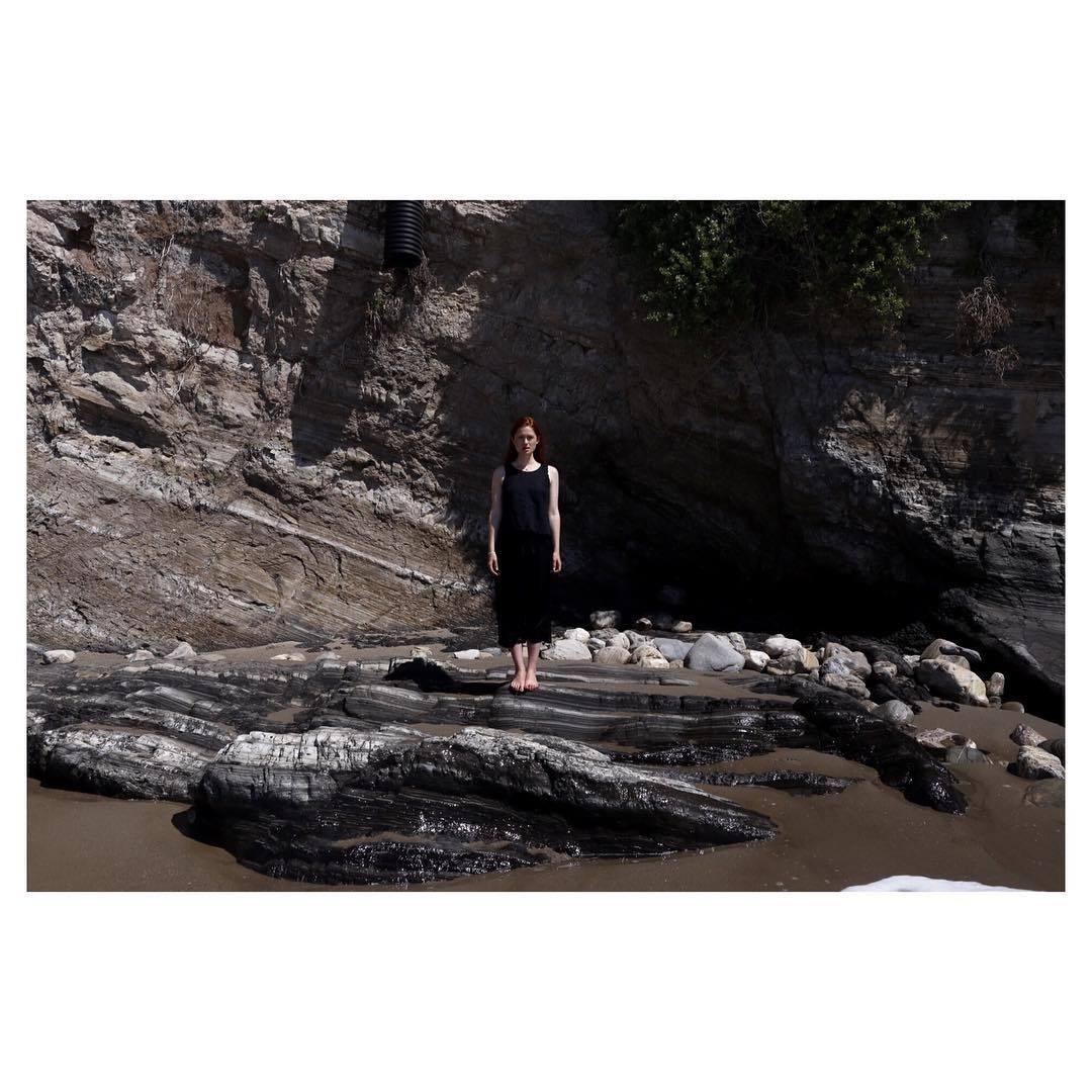 http://pics.wikifeet.com/Bonnie-Wright-Feet-2183707.jpg