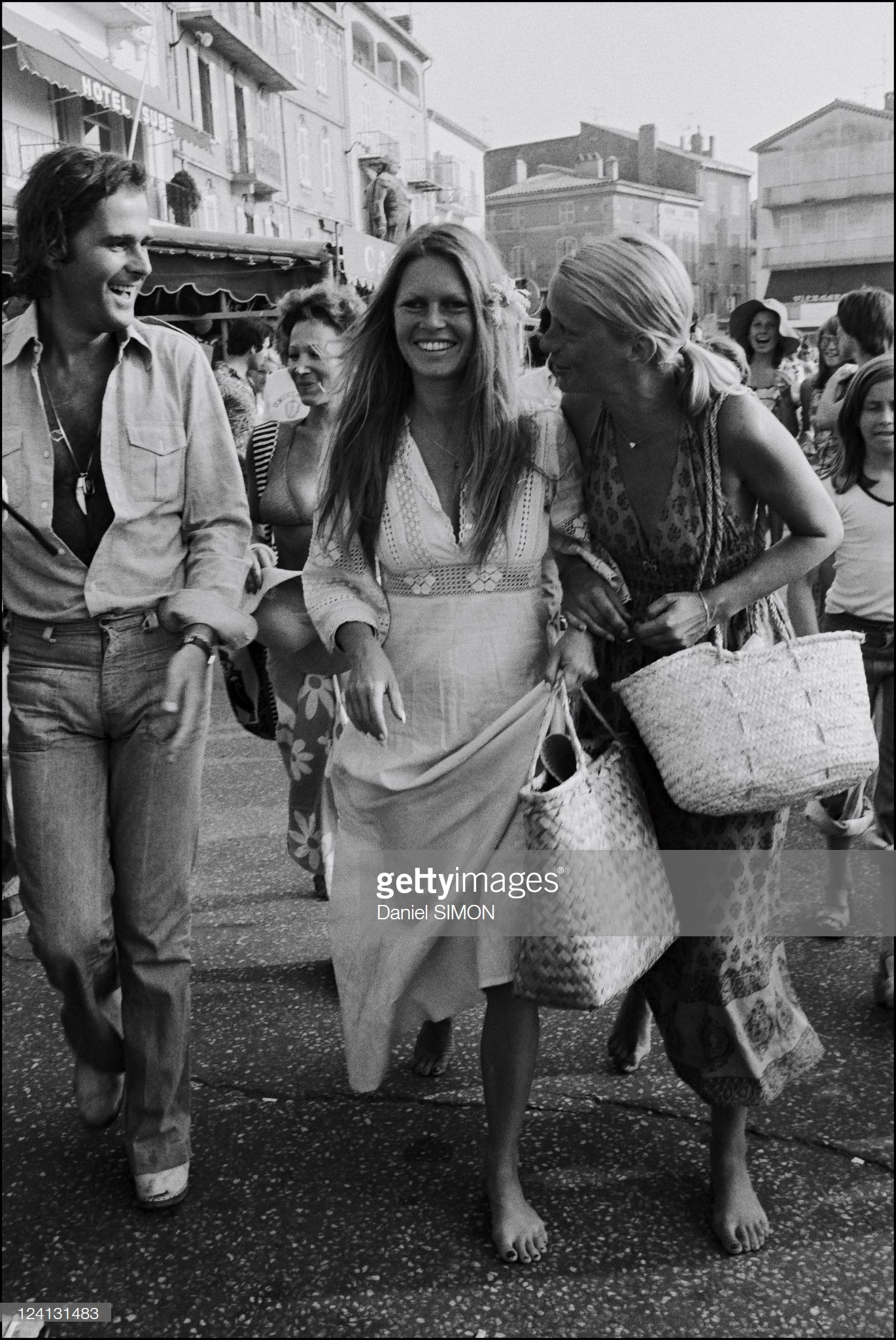 https://pics.wikifeet.com/Brigitte-Bardot-Feet-4003031.jpg