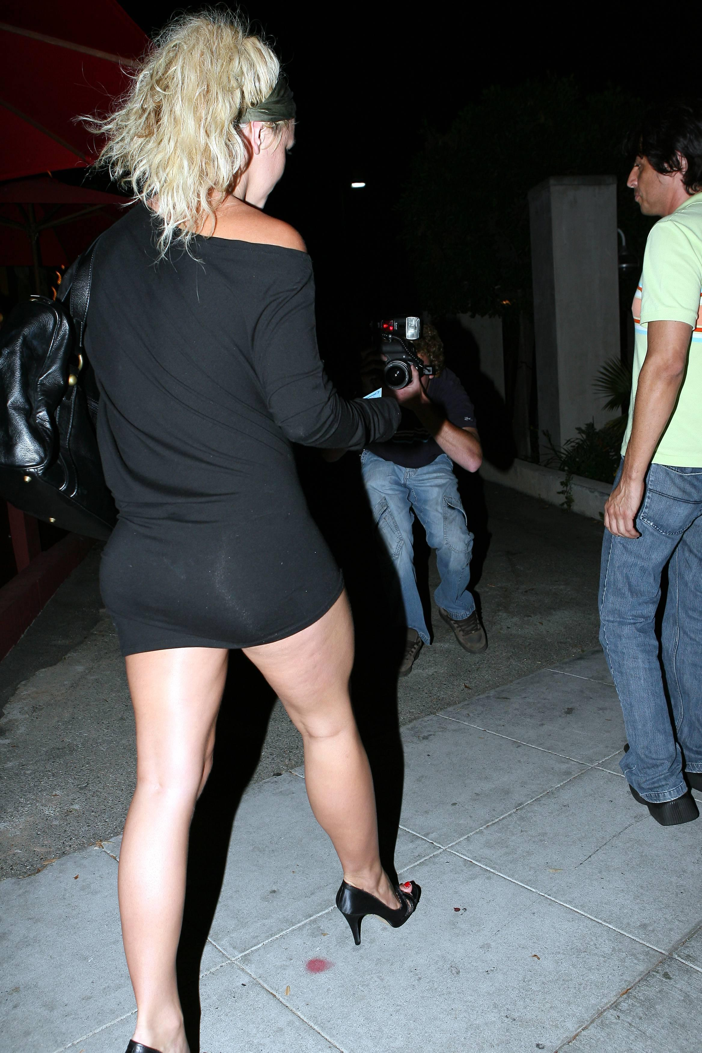 britney spears upskirt getting out of car