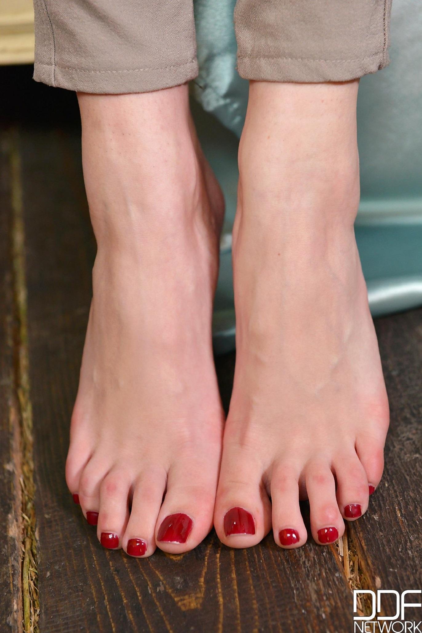 Brook Scotts Feet