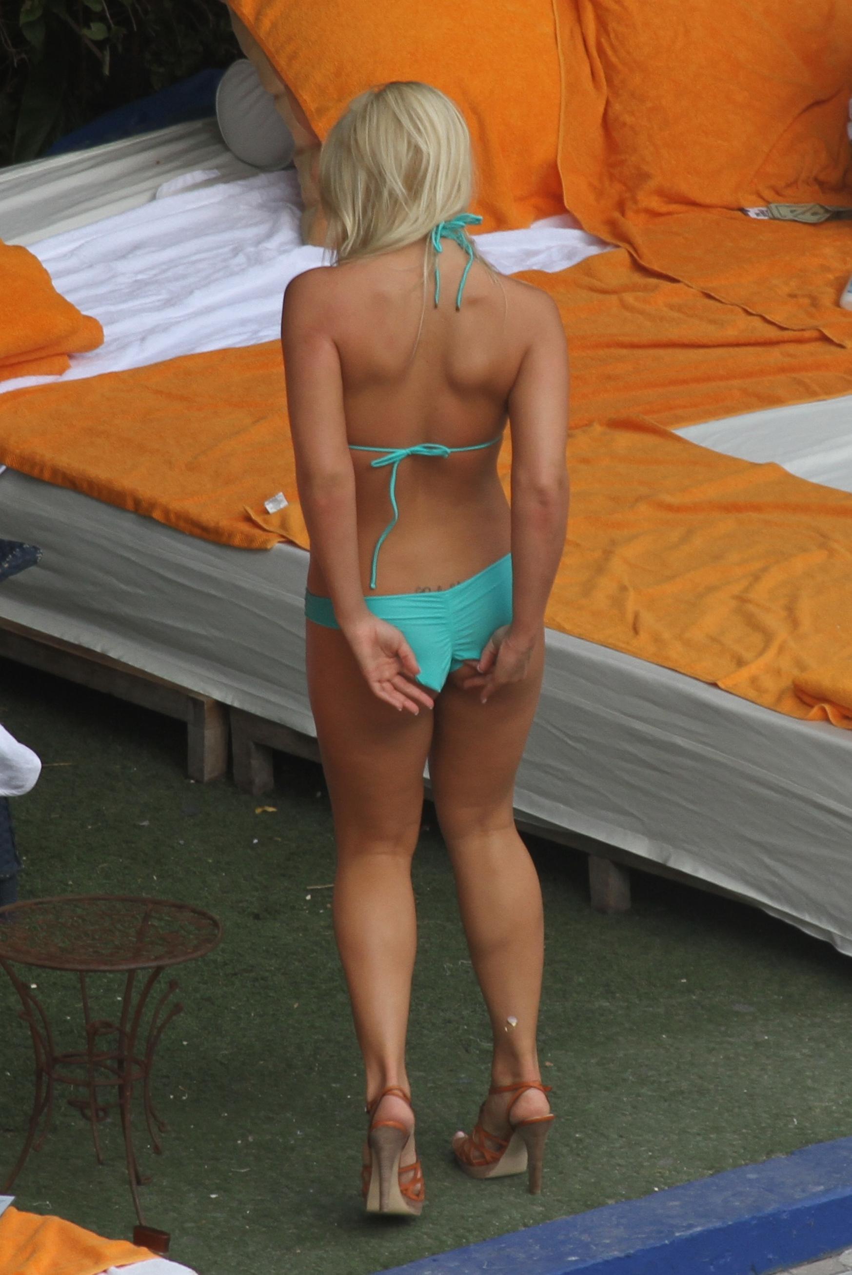 brazzers asses in public