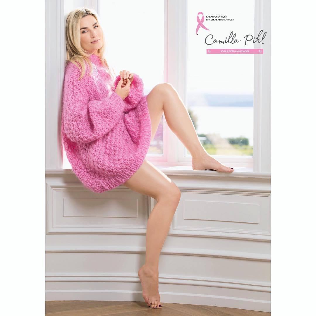 9a3dbc5e Camilla Pihl's Feet << wikiFeet