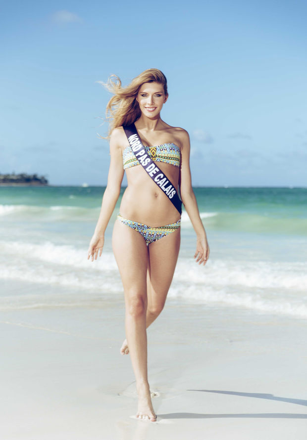 La media naranja de Miss Universo ¡es mujer! Camille-Cerf-Feet-1621872