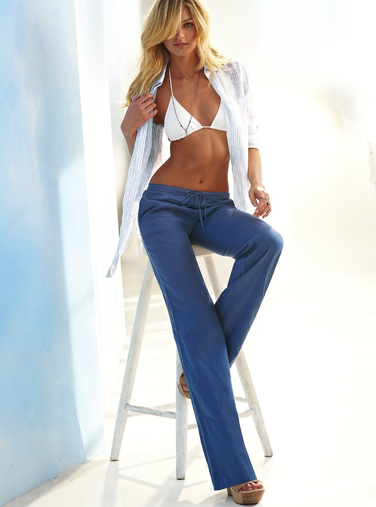 Candice Swanepoel Feet Images & Pictures - Findpik Brooklyn Decker