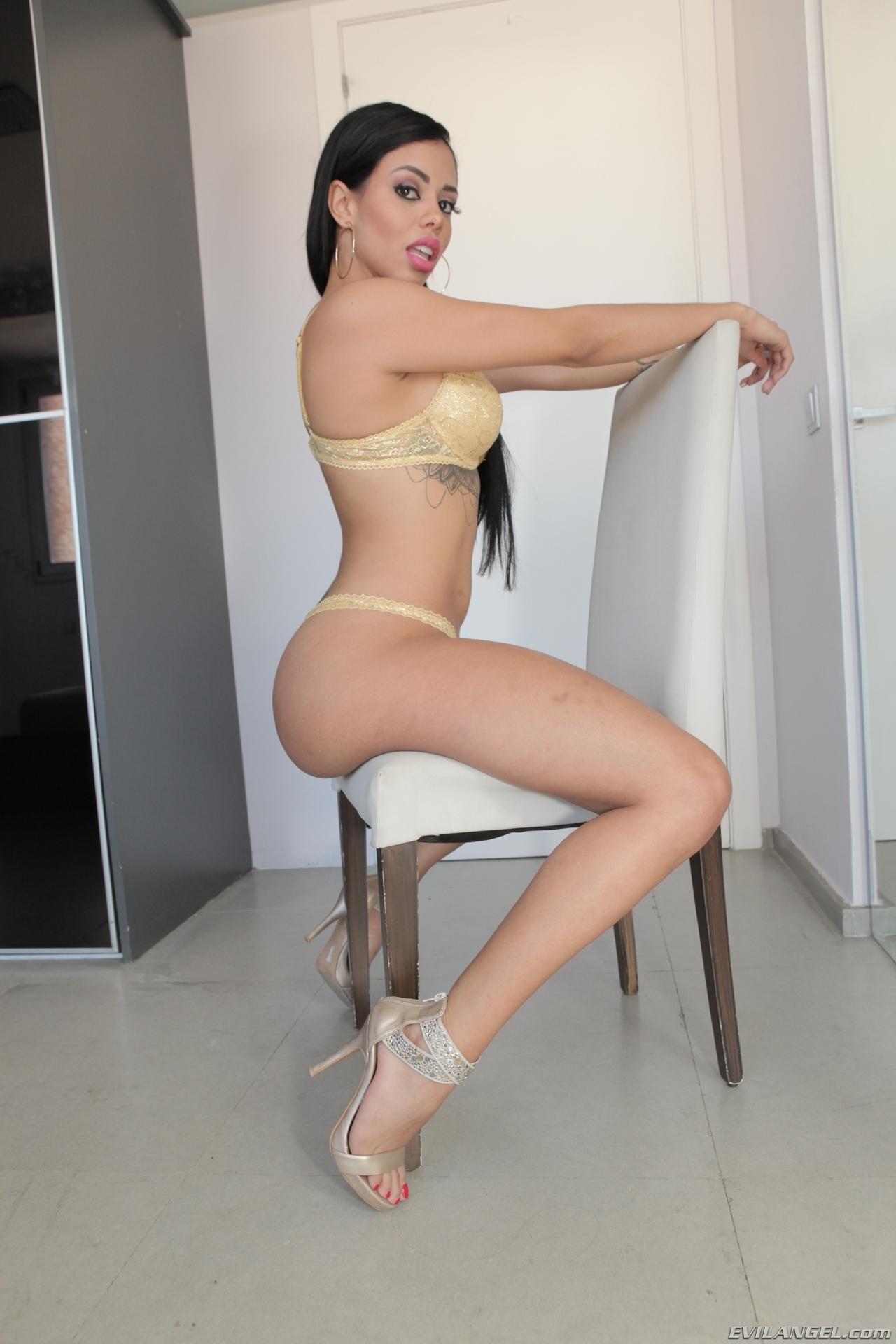 Aaliyah hadid abella danger and noemie bilas zebra girls 3