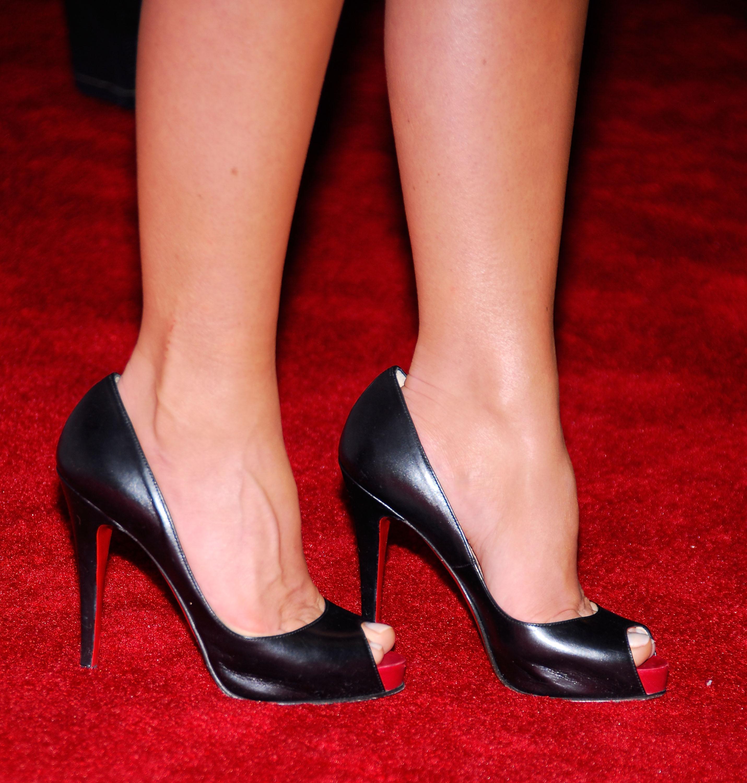 Carmen electra barefoot