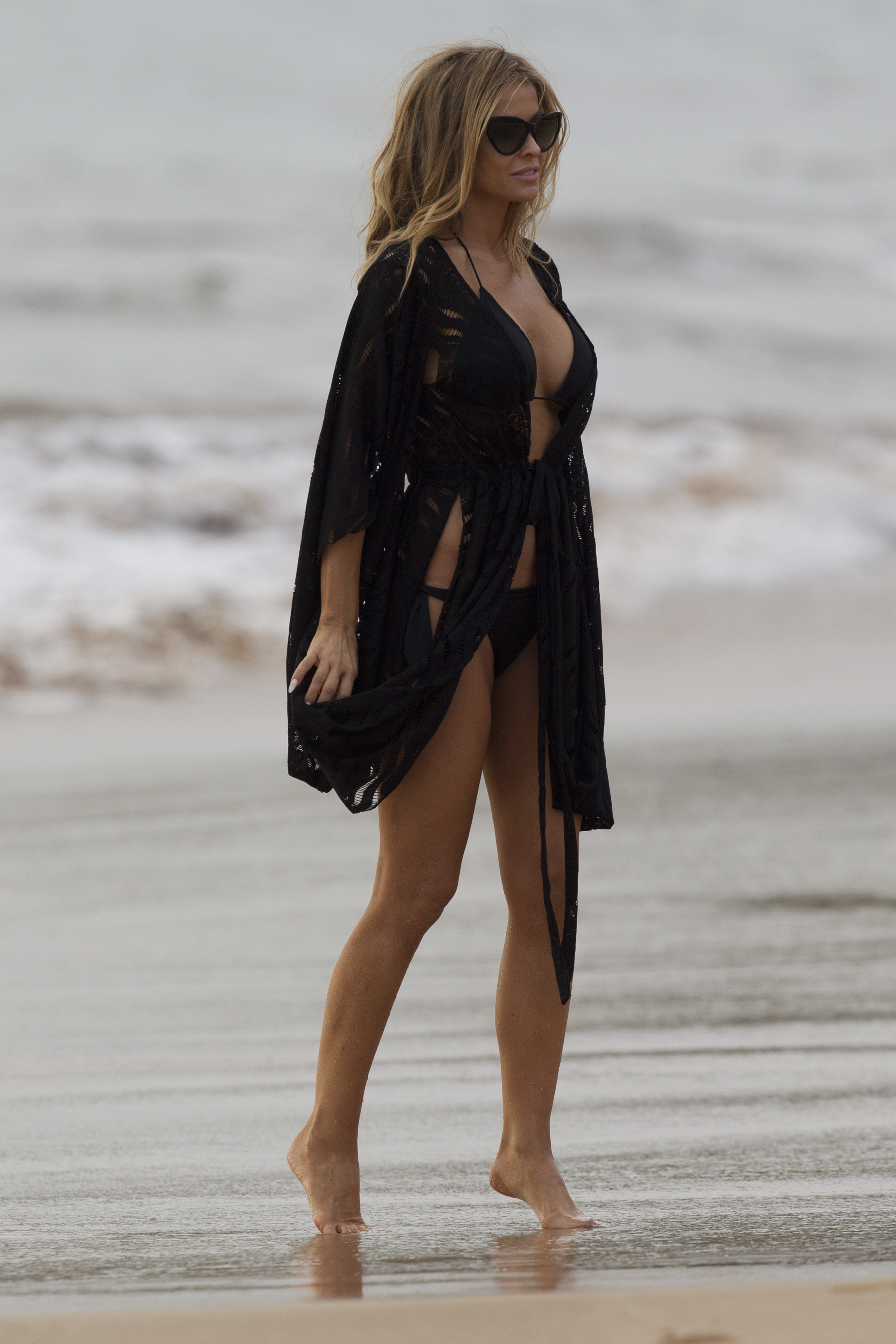 barefoot Carmen electra
