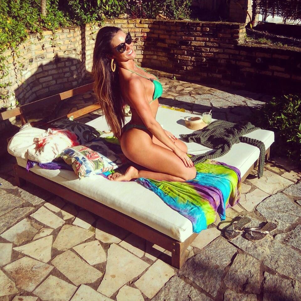 Instagram Feet Carol Muniz naked photo 2017
