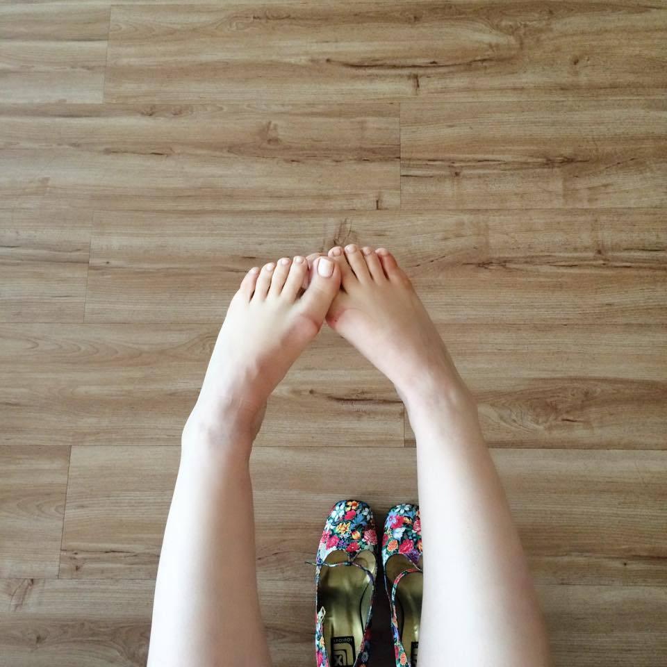 Lindos pies femeninos 28-03-15