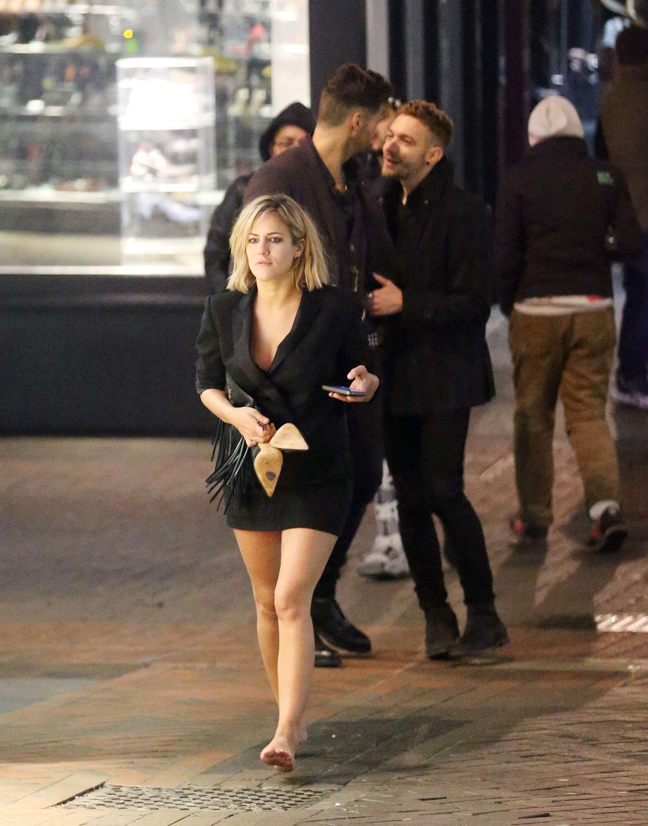 https://pics.wikifeet.com/Caroline-Flack-Feet-1986480.jpg