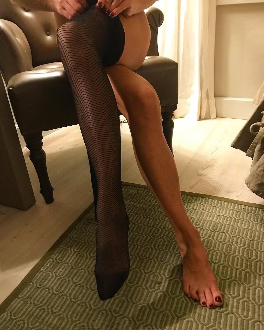 Hot Feet Caroline CLN naked photo 2017