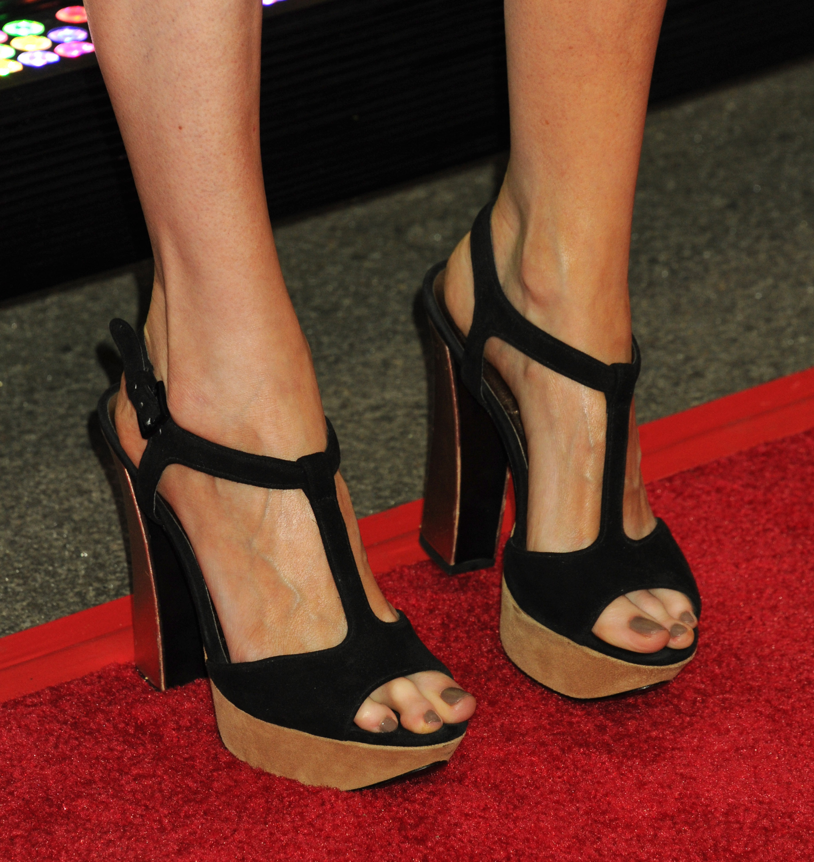Feet Olivia Preston
