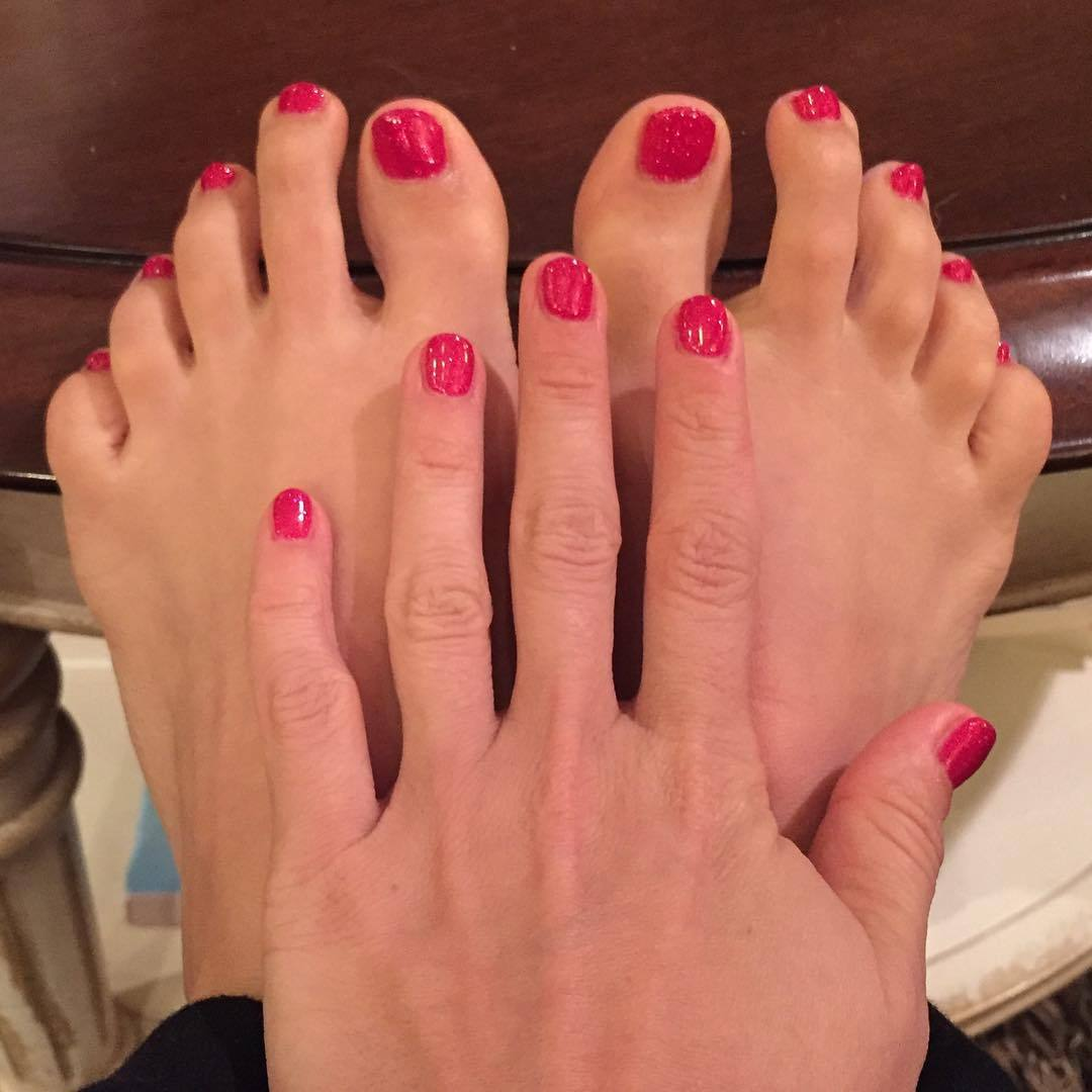 Nails on my feet hurt