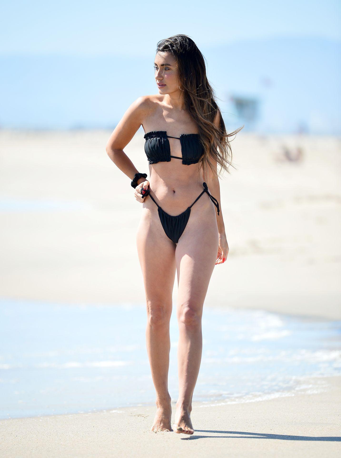 Cassie Cardelle  nackt