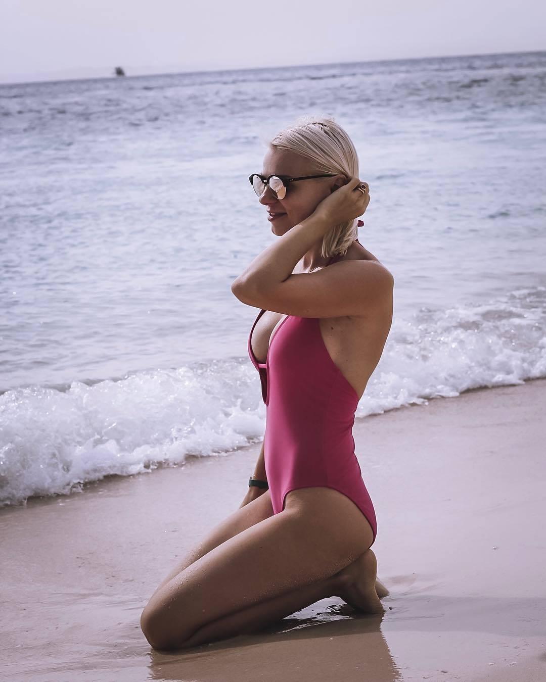 Catalina Grama Nude Photos 32