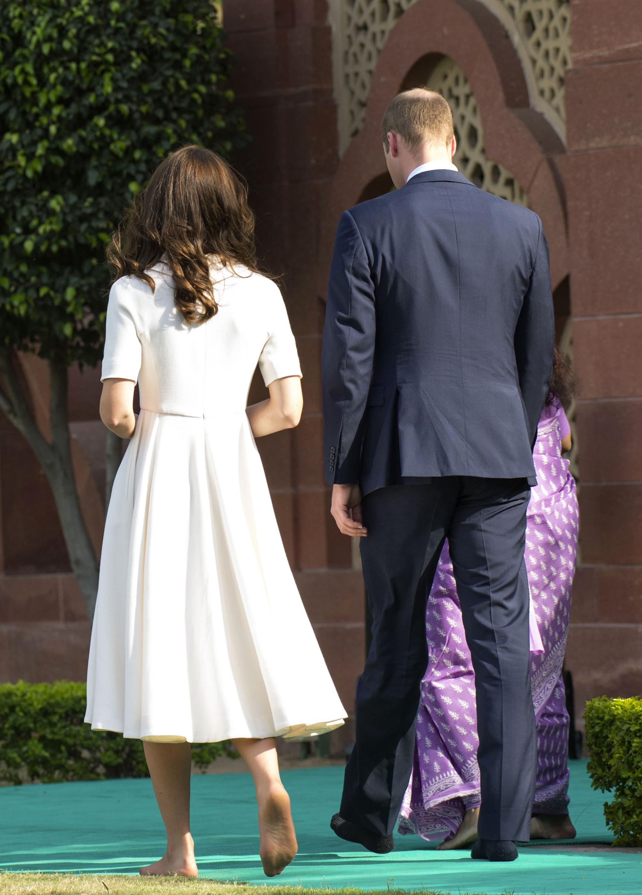 https://pics.wikifeet.com/Catherine-Duchess-of-Cambridge-Feet-2205032.jpg