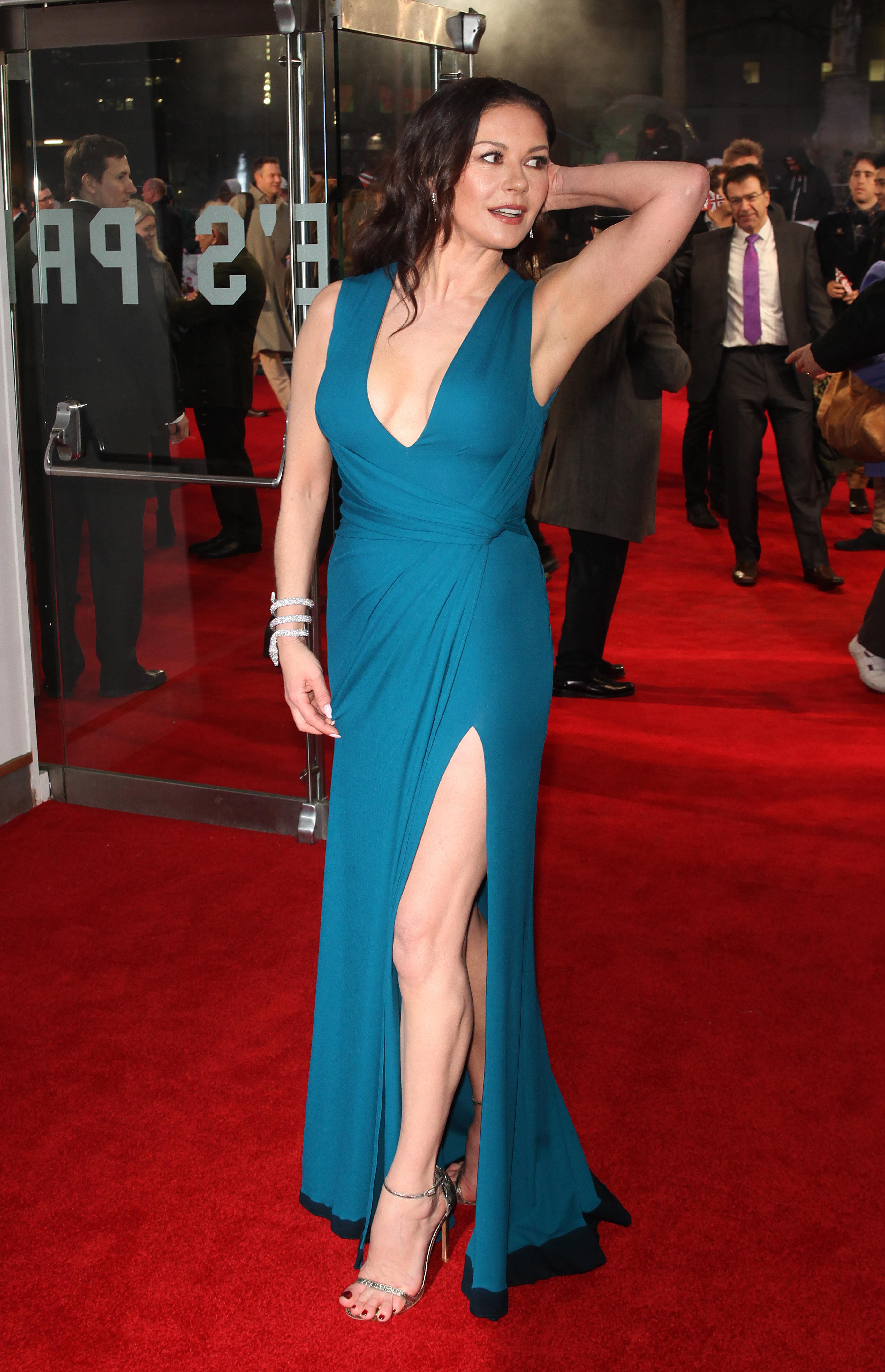 Catherine Zeta Jones nue pour de vrai - Pingoo