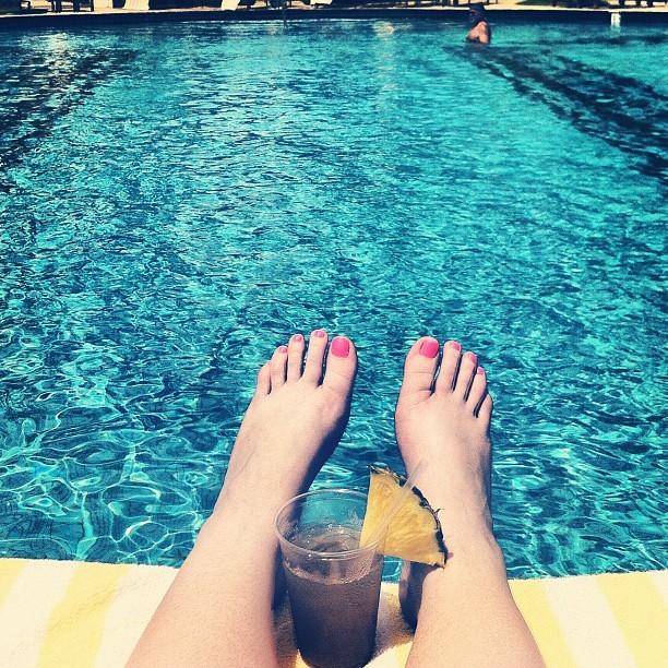 Chelsea Houska's Feet