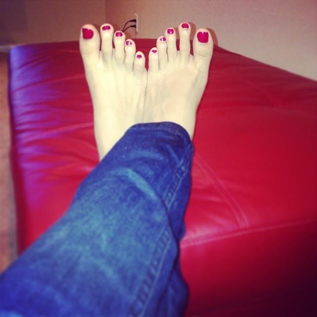 Wiki feet sexy video - 1 4