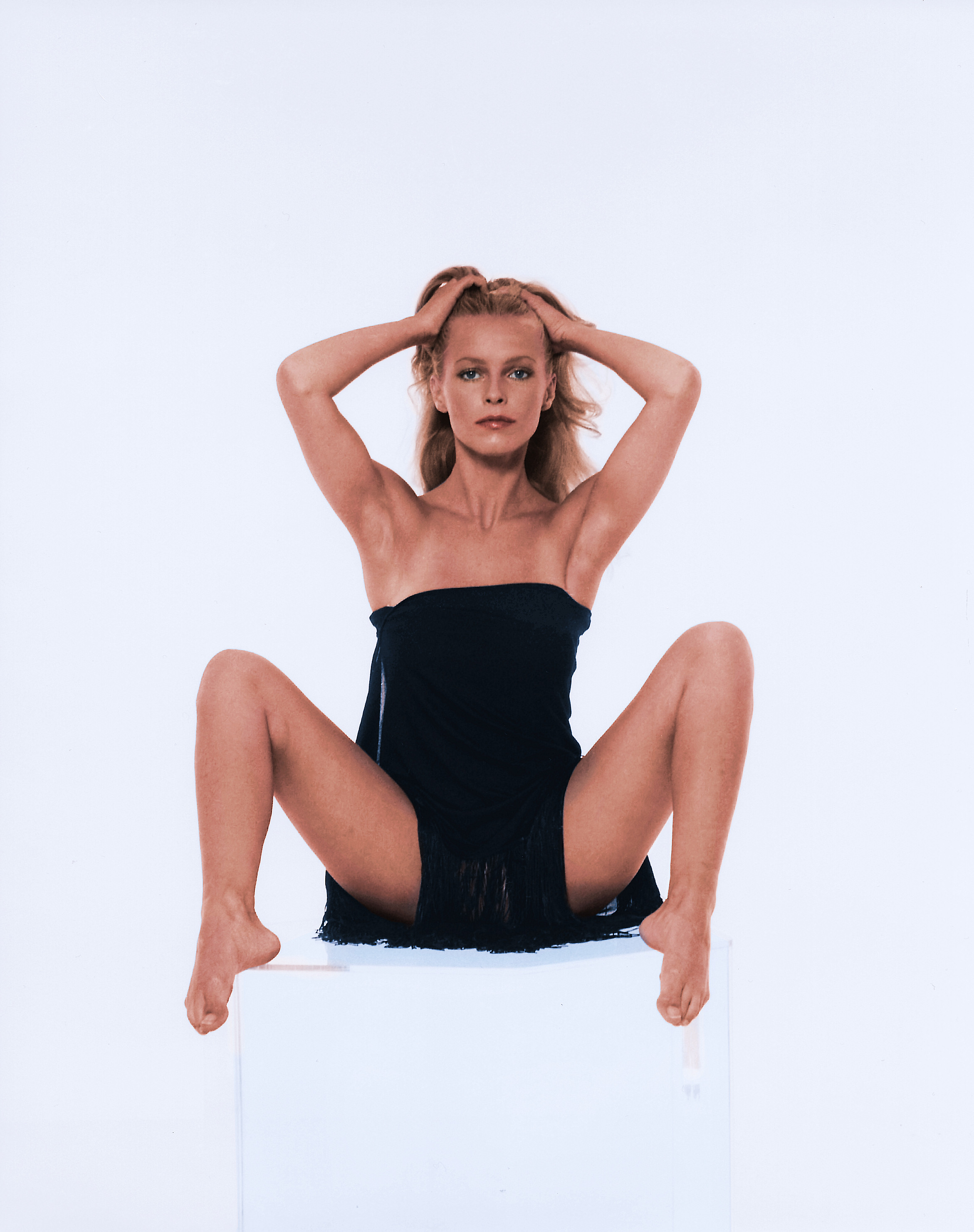 C c catch nude erotic photos