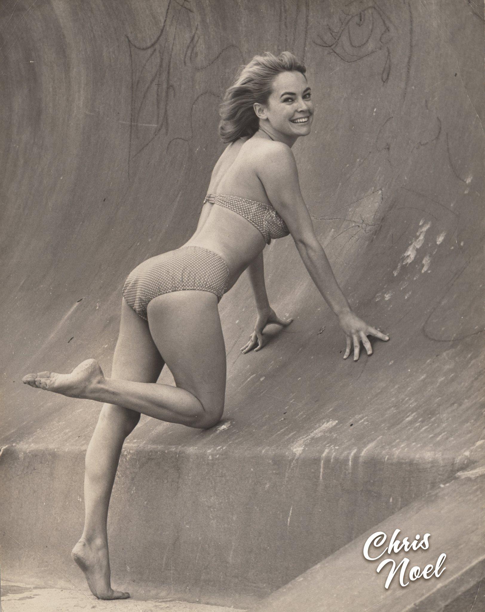 Johanna Baer,Caroline Goodall XXX nude Valerie Jean Garduno USA 1995,Betty White