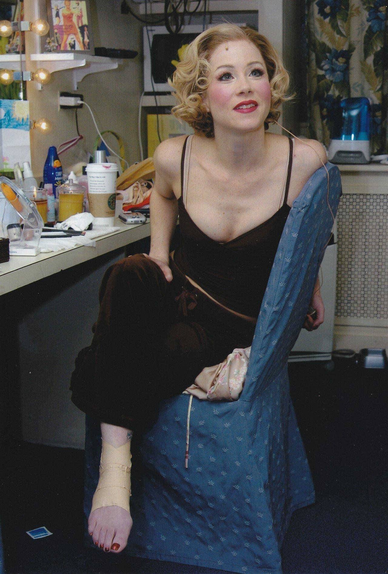 Feet Christina Applegate naked (45 images), Cleavage