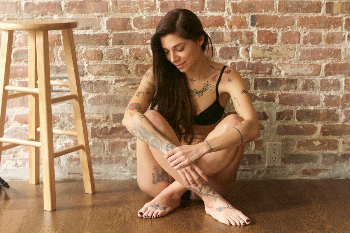 christina perri's feet - free mobile porn video