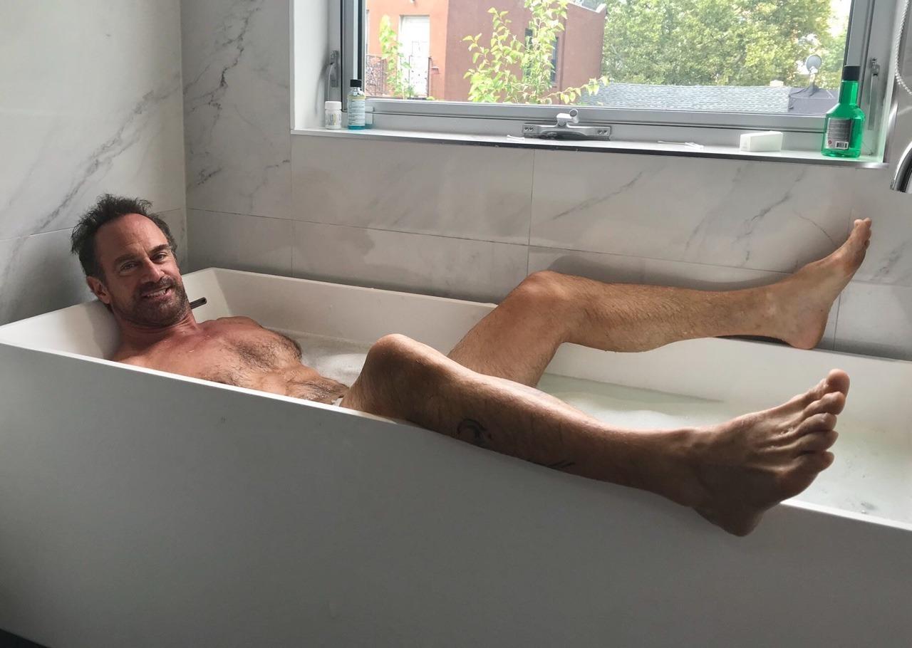 Christopher Meloni's Feet << wikiFeet Men