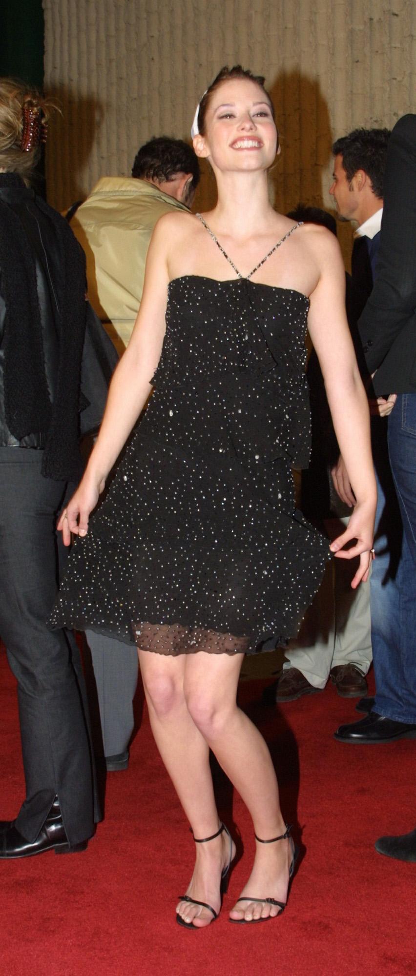 http://pics.wikifeet.com/Chyler-Leigh-Feet-77890.jpg