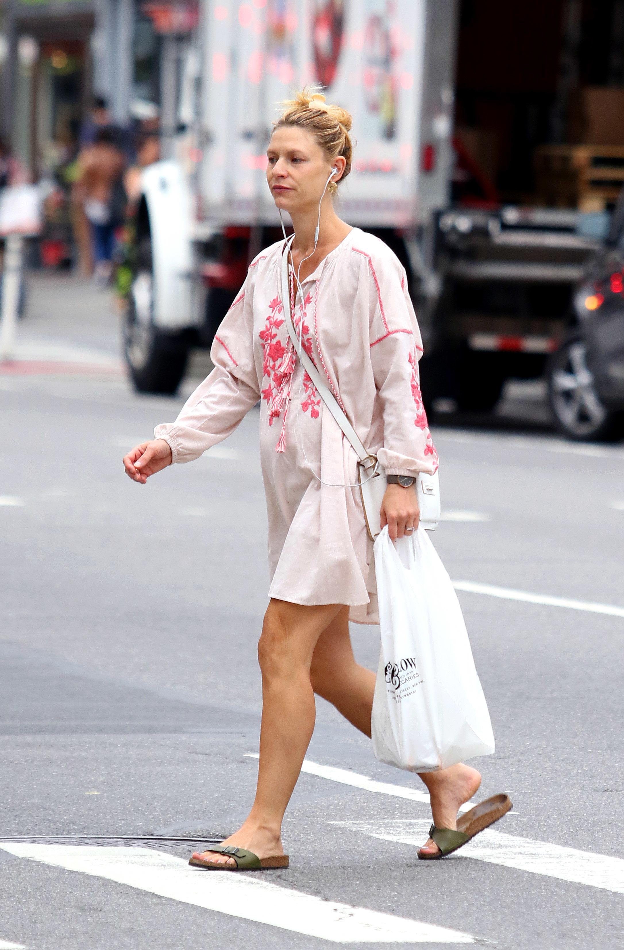 Claire Daness Feet Wikifeet