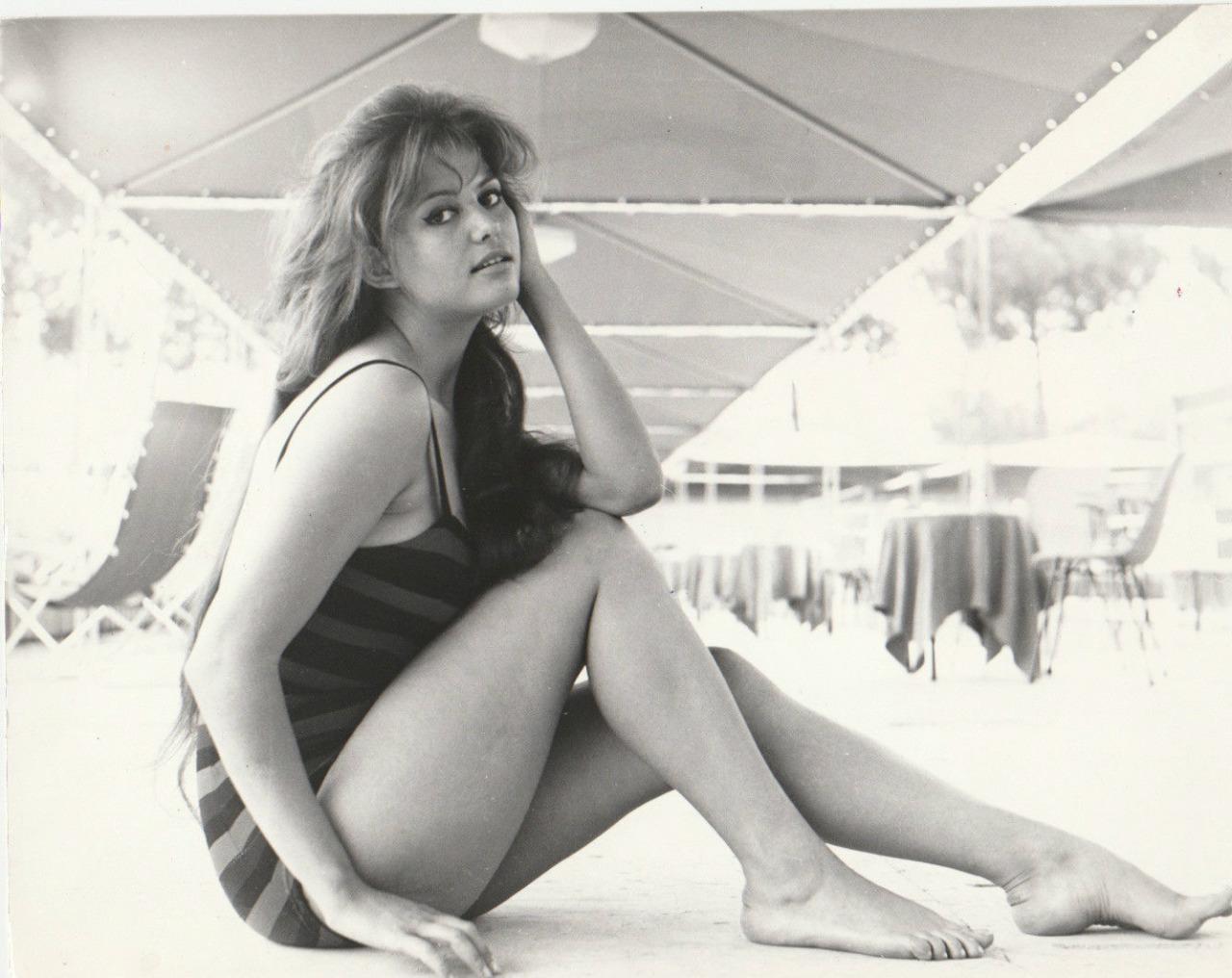 Nackte Claudia Cardinale in Certo, certissimo, anzi