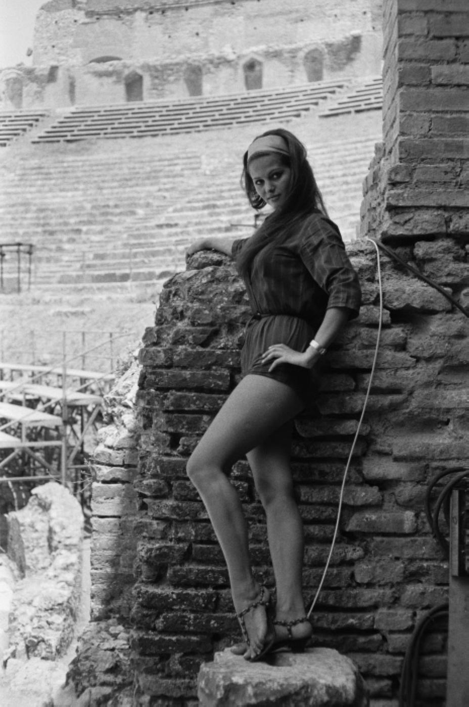 claudia cardinale feet - photo #39