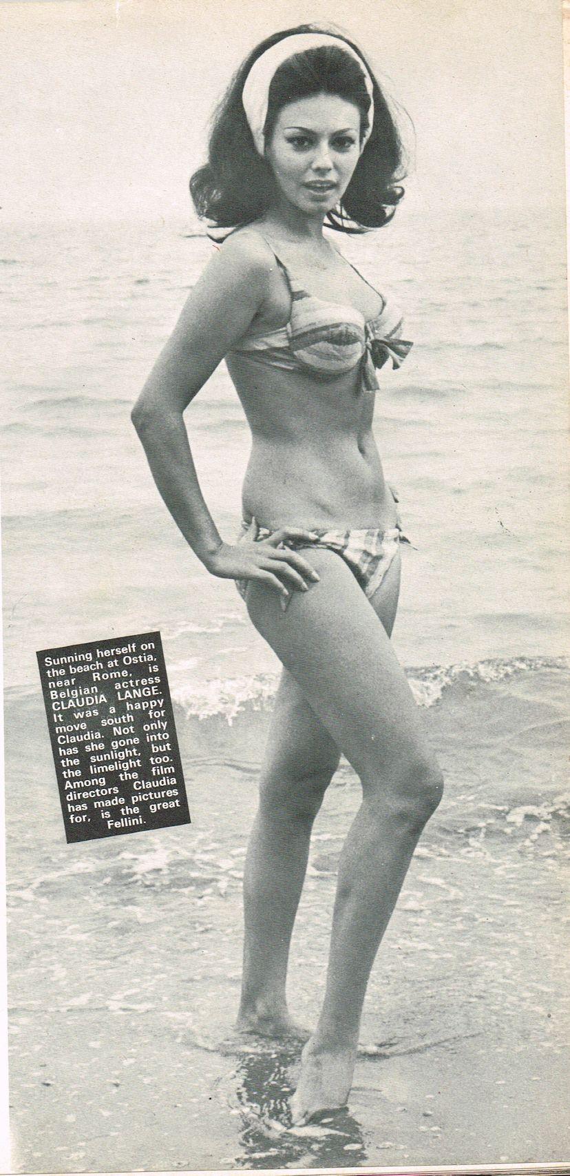 Claudie Lange Nude Photos 17