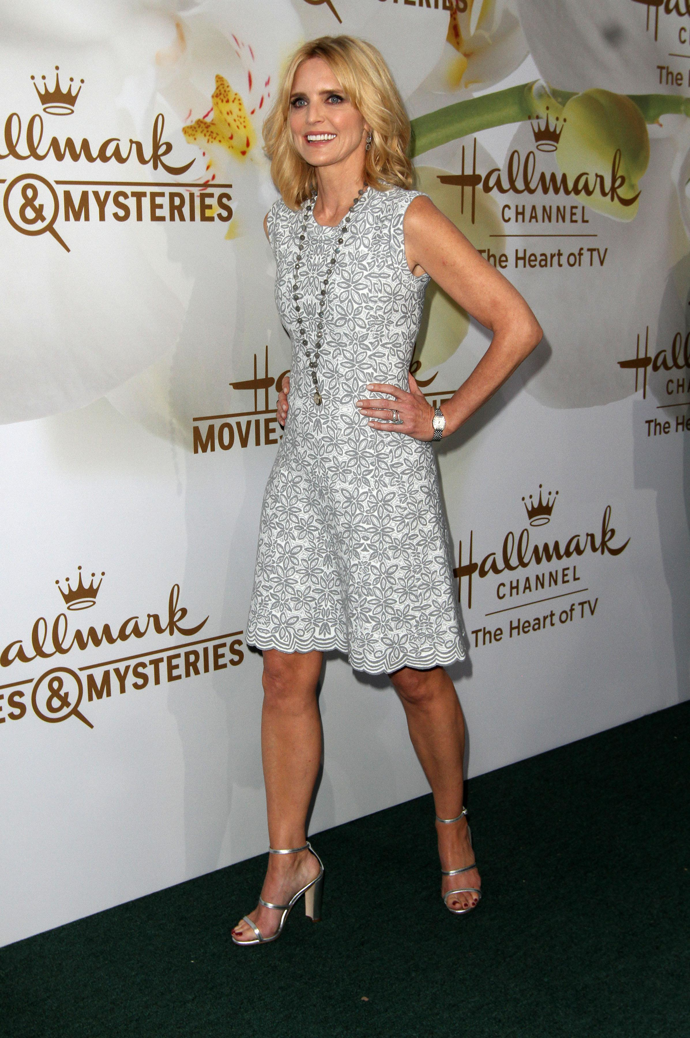 Courtney thorne smith high heels images 619