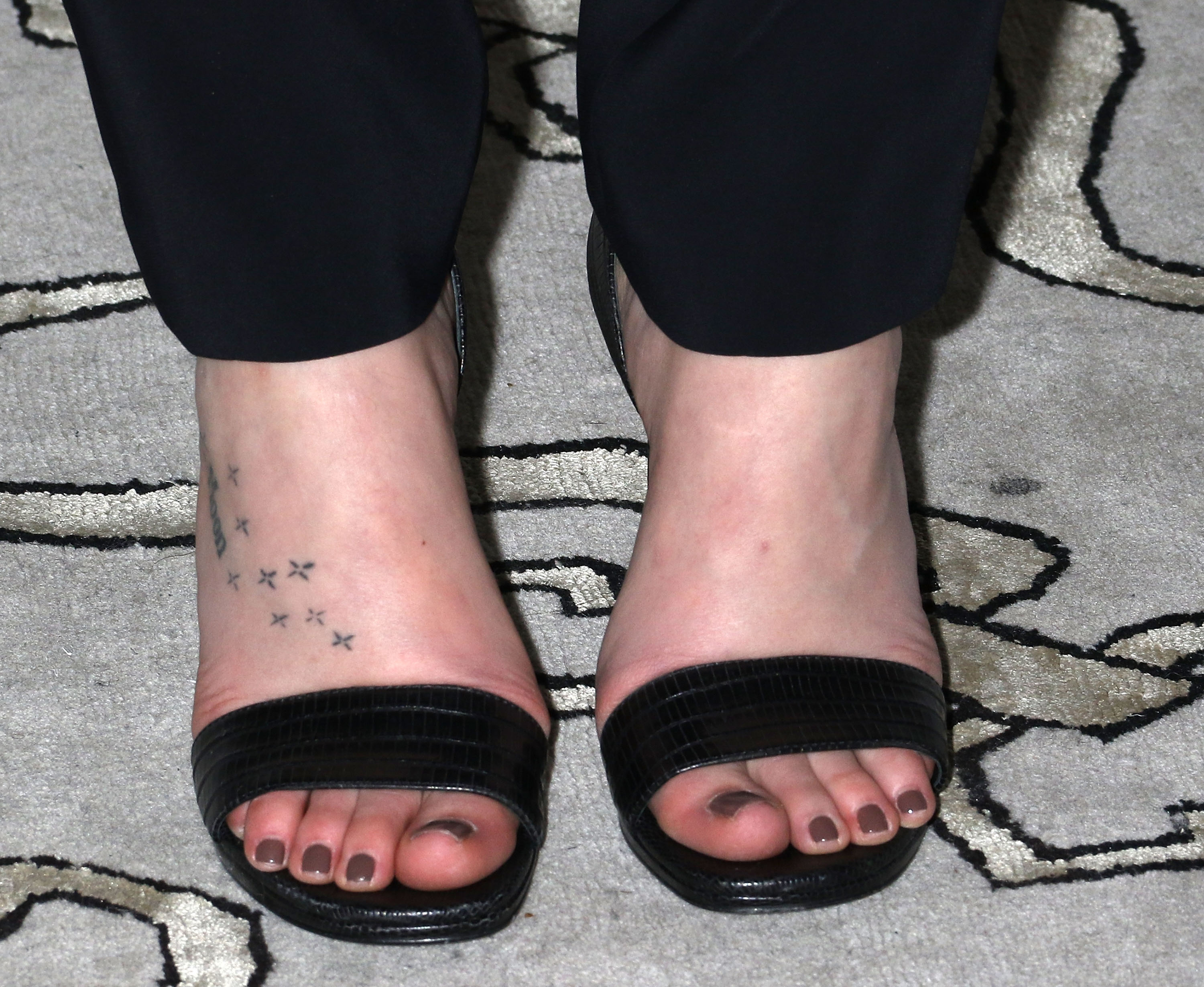 Dakota Johnson Shoe Size