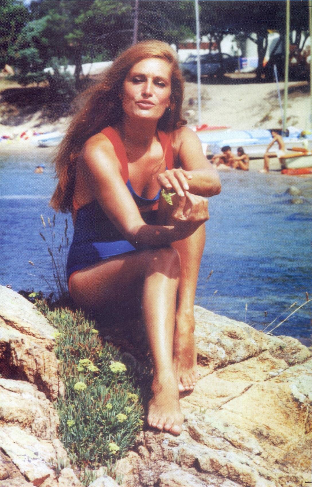 Anne Archer Feet  Hot Girl Hd Wallpaper-9368