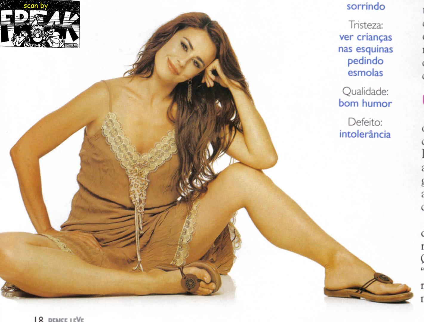 http://pics.wikifeet.com/Daniela-Escobar-Feet-491956.jpg