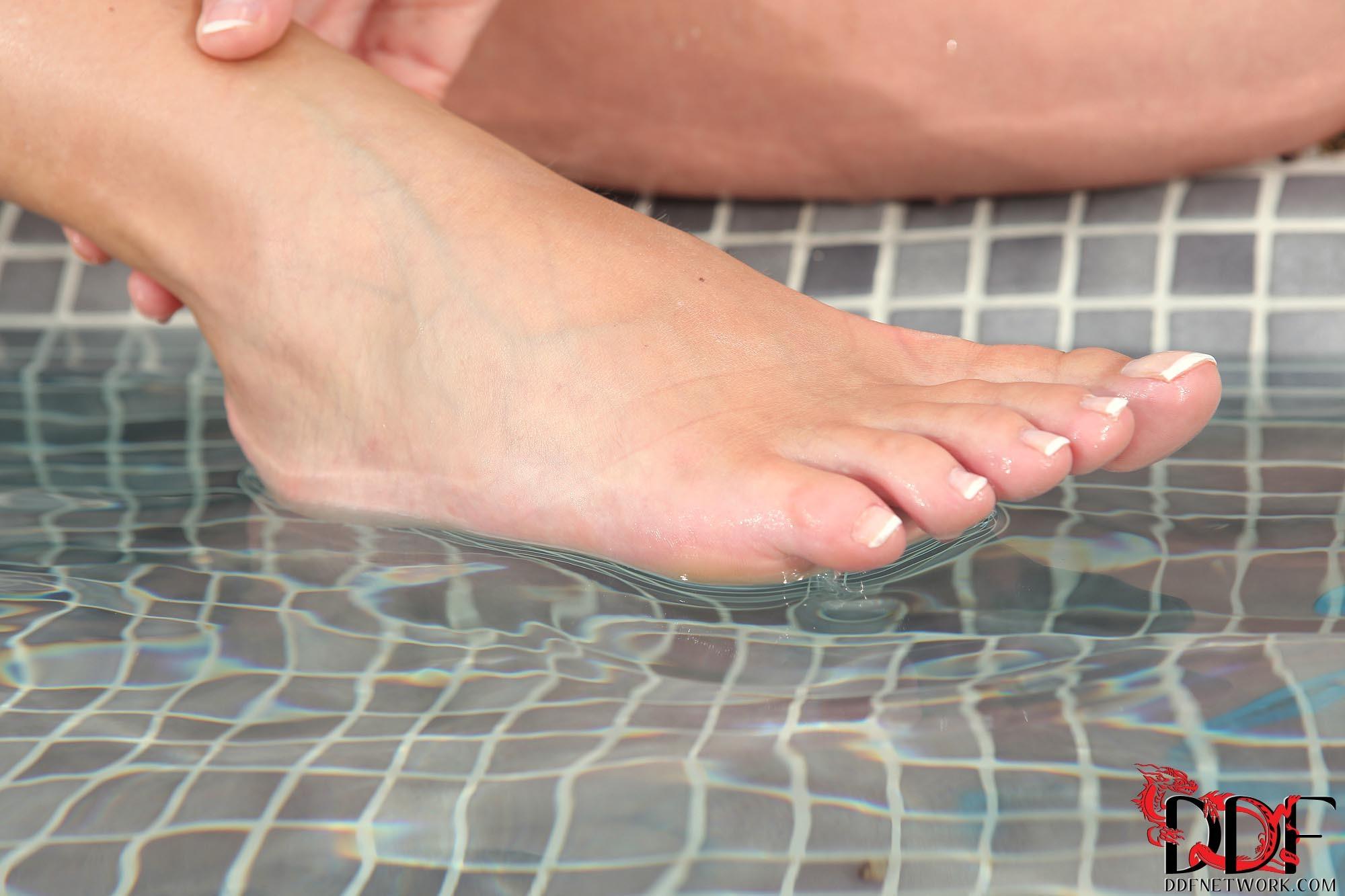 Danielle Mayes Feet