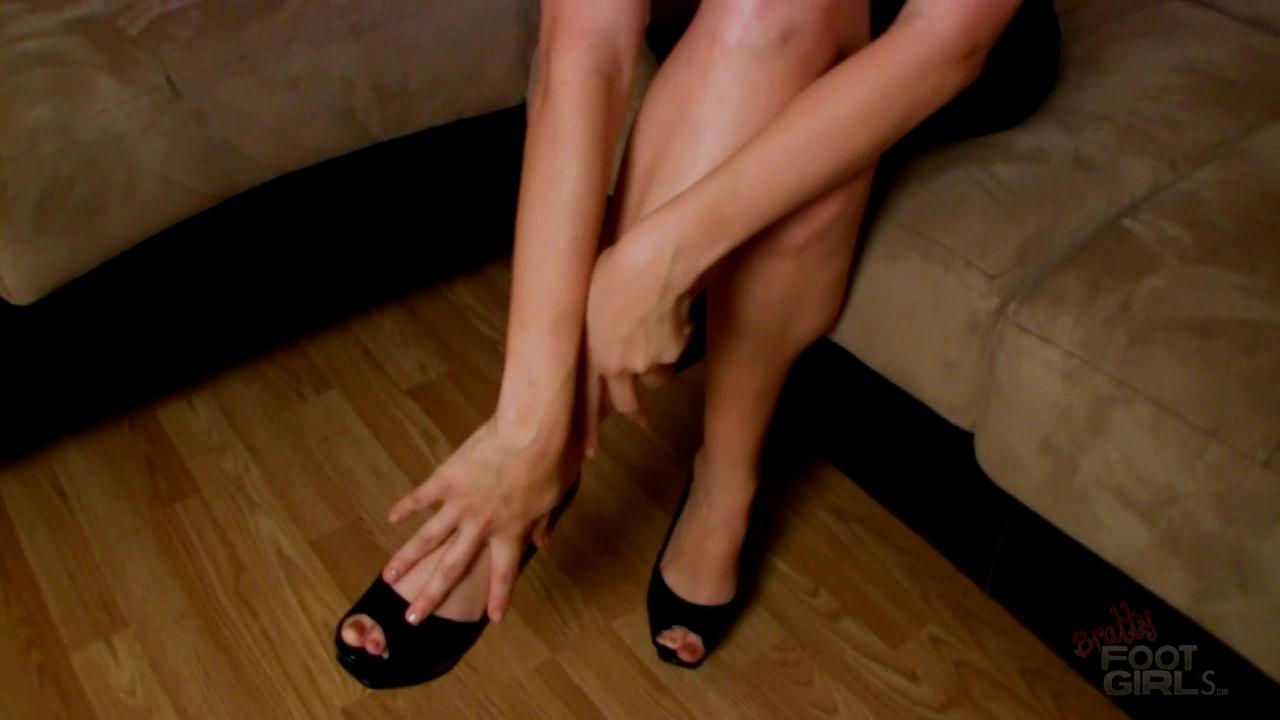 trixie feet