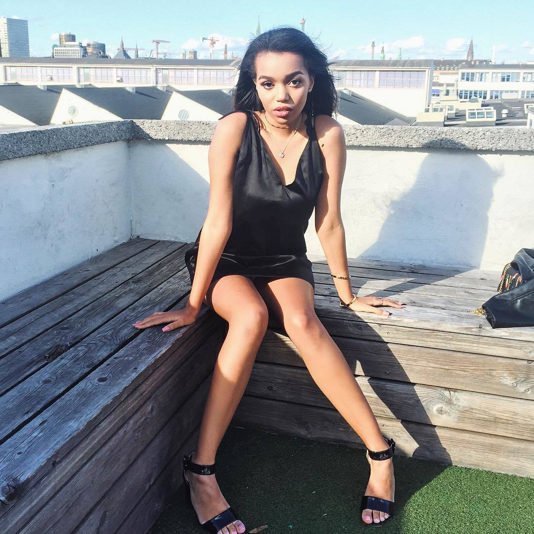 Feet Daphne Blunt nude (51 photo), Tits, Fappening, Selfie, braless 2015