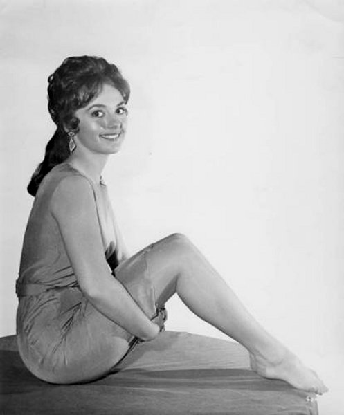 Have Dawn wells as mary ann are mistaken