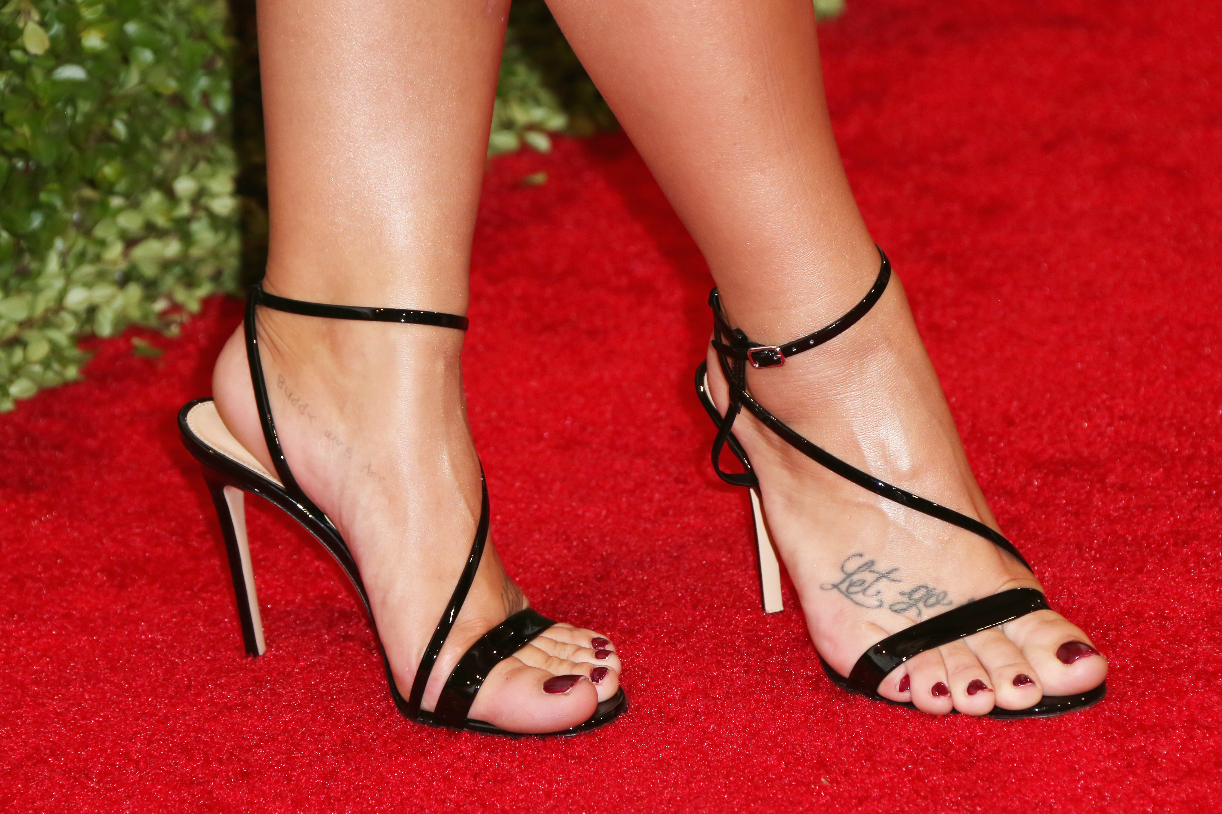Feet Demi Lovato nudes (24 photo), Tits, Is a cute, Twitter, in bikini 2006