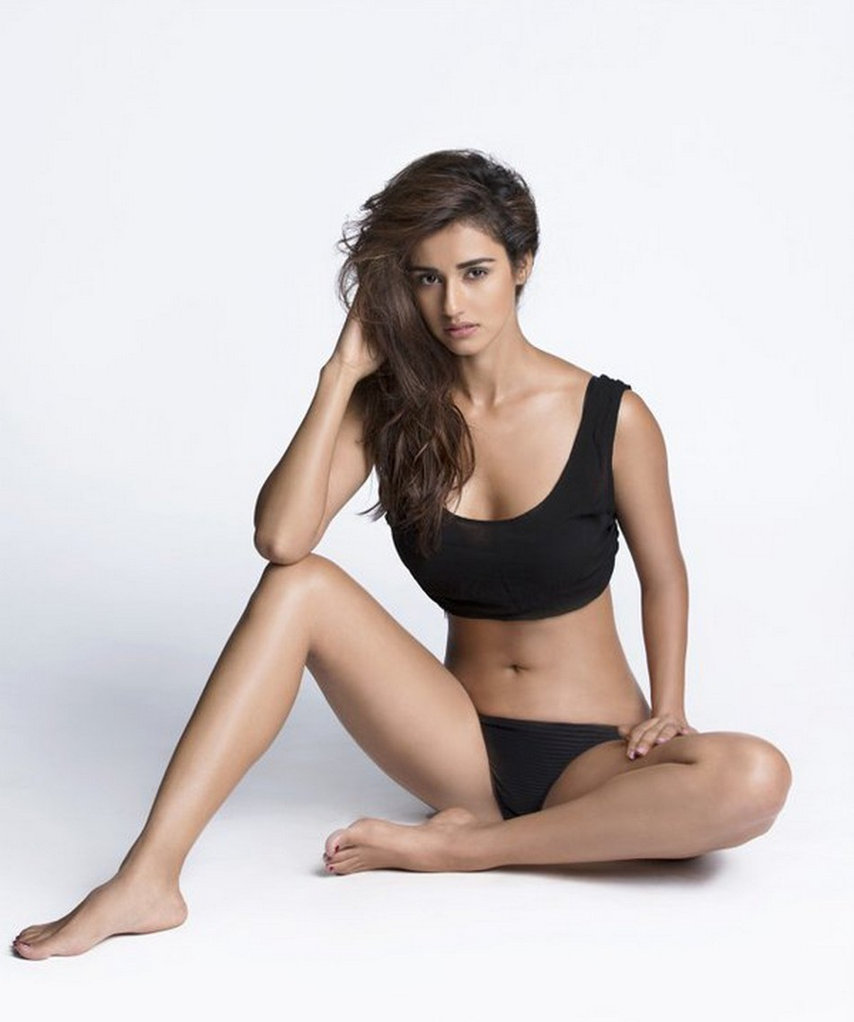 Disha Patani doing Hot Yoga to keep her Cool